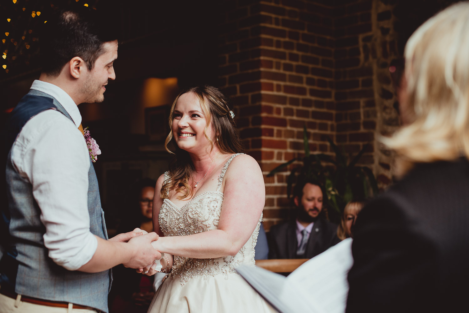 chaucer barn spring wedding by georgia rachael photography